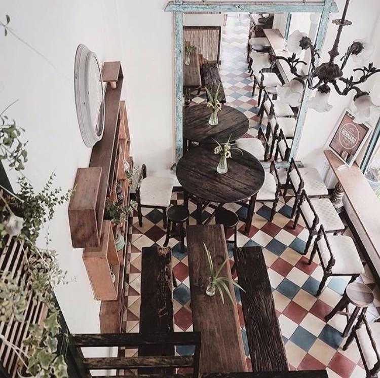 quan-cafe-quan-an-view-dep-saigon-Bernardcafe
